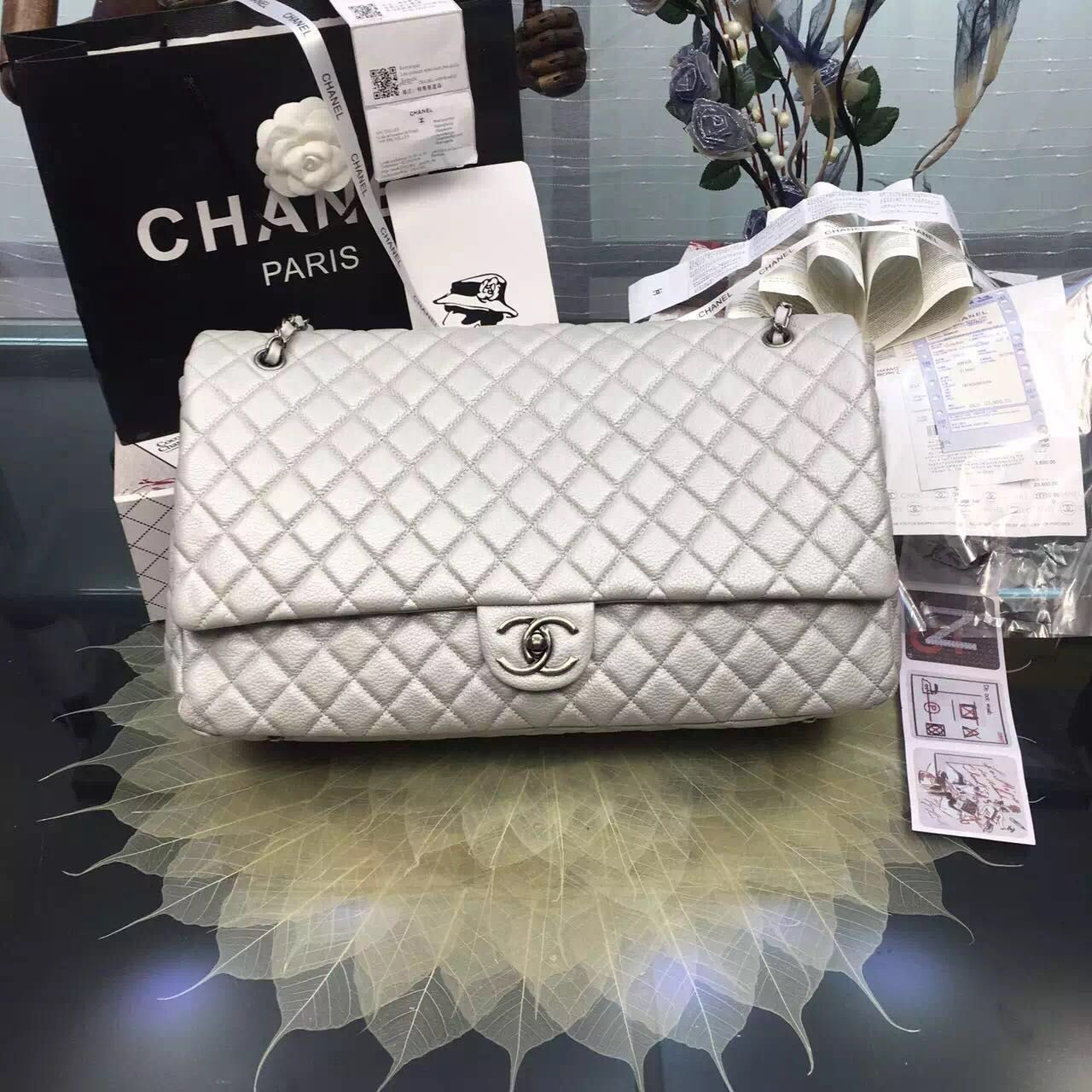 CHANEL CLASSIC BAG REAL LEATHER GST 190332 off-white
