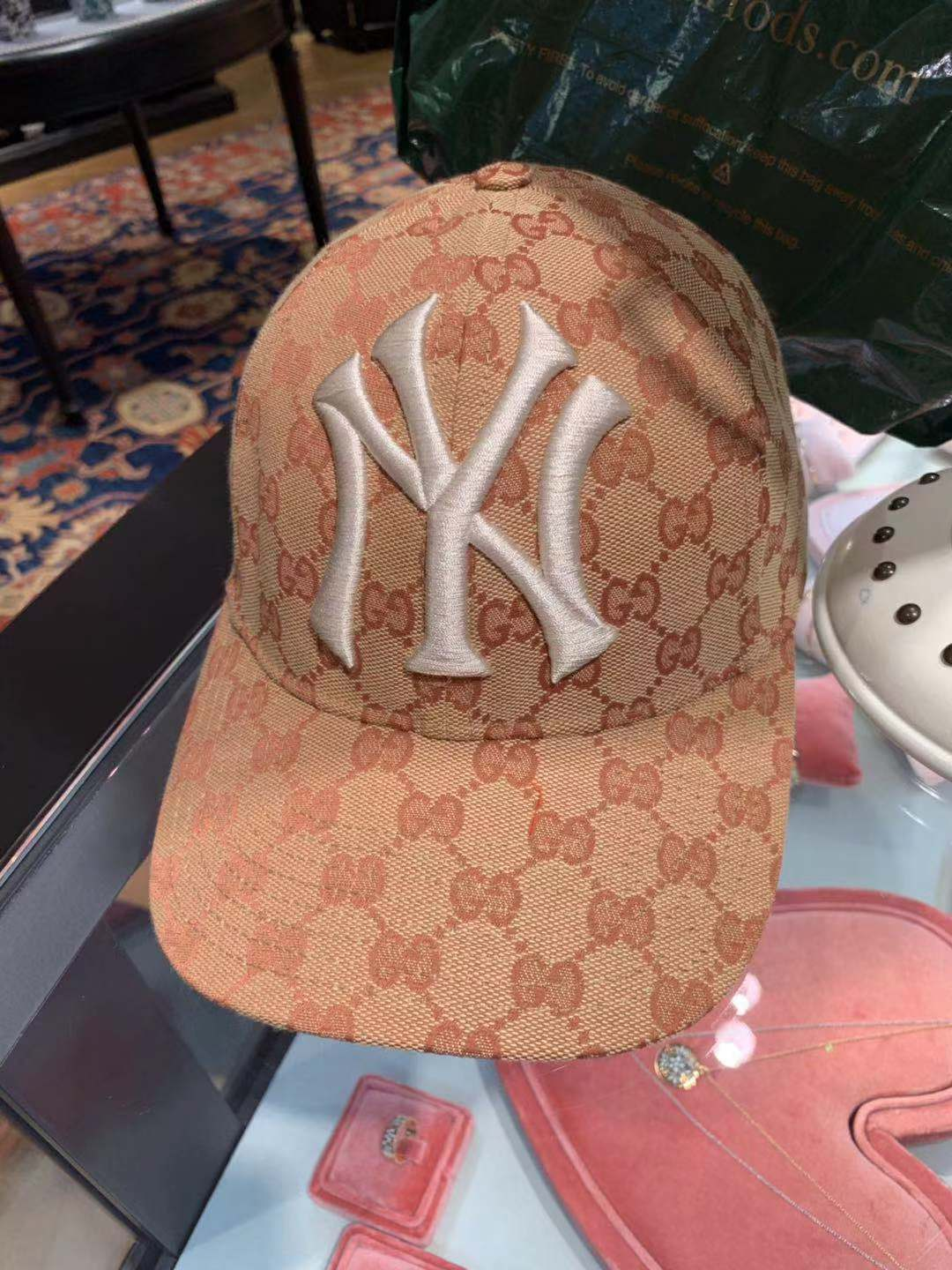 GUCCI New York Yankees Logo Baseball Cap 539836