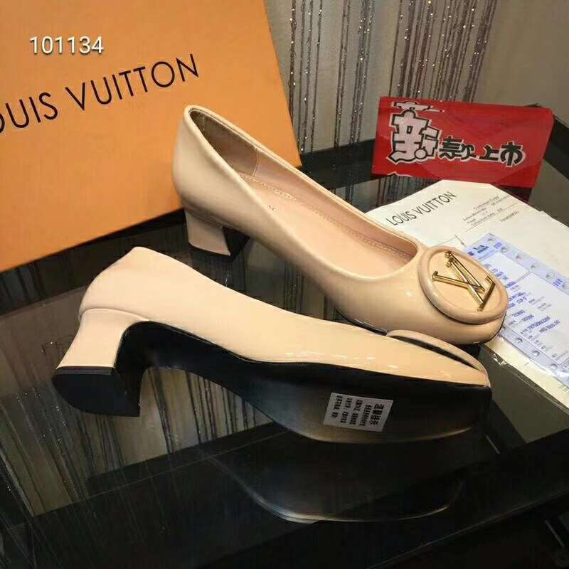 2019 NEW Louis Vuitton Real leather shoes LV101134apricot