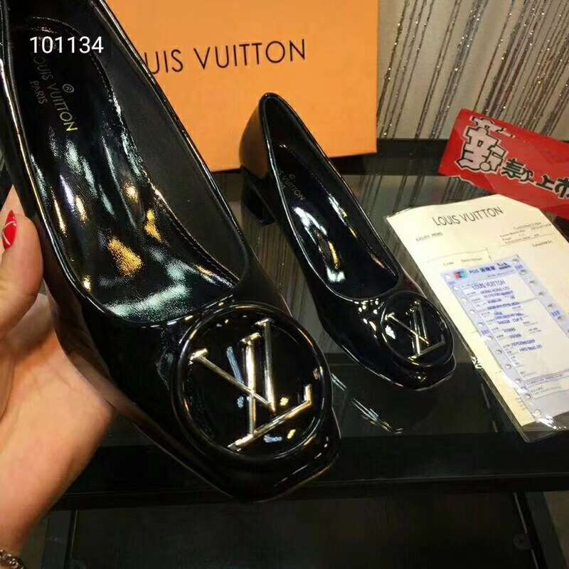 2019 NEW Louis Vuitton Real leather shoes LV101134black