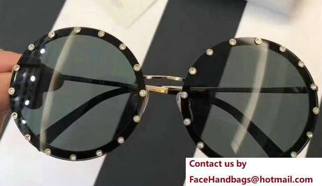 Valentino Round Shaped Metal Sunglasses With Stud-Shaped Crystals 01 2018
